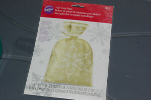 2 Ply Wilton Gold Foil Treat Bags And Ties Decorative Snowflake Pattern 6 X 9 In
