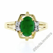 Anillos de joyería con gemas verdes jadeíta
