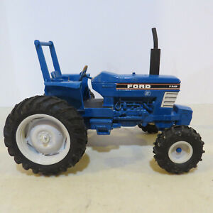 Ertl Ford 7710 Tractor 1/16  FD-849-G