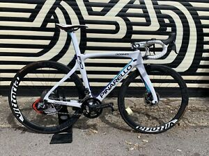 Mint PINARELLO DOGMA F10 Disc Di2 Carbon Wheels