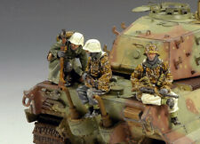 KING & COUNTRY BATTLE OF THE BULGE BBG017 GERMAN TANK RIDERS MIB
