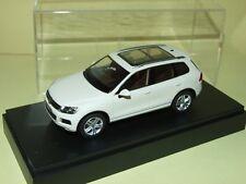 VW TOUAREG II Blanc SCHUCO Légé défaut default