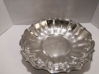 """VINTAGE LUNT SILVER PLATED LARGE SERVING BOWL 12.5"""" Dia  x  3 """" Deep"""