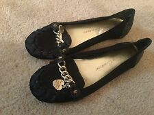 Juicy Couture Women 10M Black Flat Slip-On Satin Gold Chain