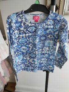 OILILY TOP SIZE 116 STRIKING BLUE COLOUR VERY GOOD CONDITION PLEASE READ