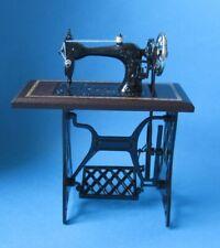 Edle Nähmaschine  Puppenhaus Möbel Miniaturen 1:12