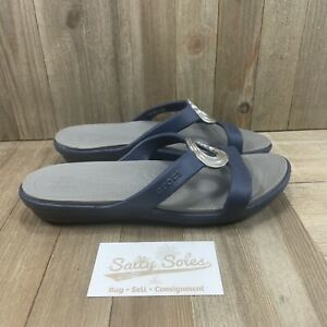 Crocs Sanrah Beveled Circle Sandal Womens Size 6 Blue/Grey (203341)