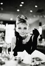 Papier peint photo mural Audrey Hepburn Noir Et Blanc Décoration pour séjour