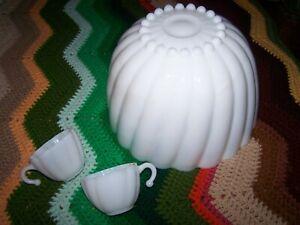 Vintage ~ NEWLAND SCHNEELOCH PIEK ~ Milk Glass PUNCH BOWL 10 HANGING CUPS SET