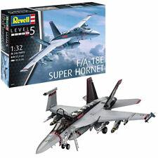 REVELL F/A-18E Super Hornet 1:32 Aircraft Model Kit 04994