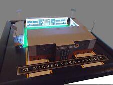St Mirren-hecho a mano modelo con reflectores de trabajo