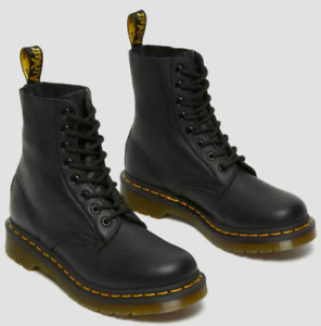 Dr. Martens // 1460 Women's Pascal Virginia Leather Boots [Black] (6W)