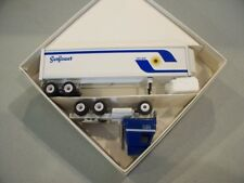 SUNFLOWER CARRIERS TRACTOR REEFER TRAILER DIECAST WINROSS TRUCK