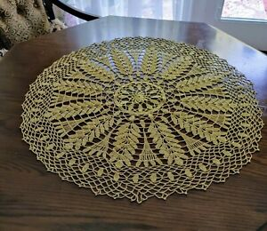 """Lace Crochet Tablecloth Vintage Beige/Off White Handmade  32"""" Round"""