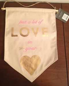 """Put A Lot Of LOVE In Your Heart 10.75"""" X 15"""" Hanging Tapestry Wall Décor Art NEW"""