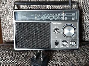 Vintage national panasonic RF-1105LBE radio - collectable