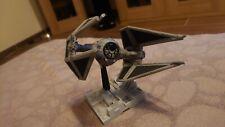 Bandai Tie Interceptor Star Wars Modell, gebaut und bemalt