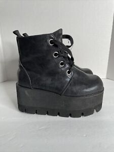 tuk boots women Platform Size 6