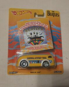 HOT WHEELS BEATLES HAULIN GAS BUS REAL RIDERS MAGICAL MYSTERY TOUR