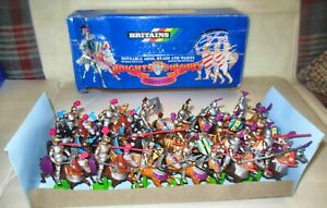 18 BRITAINS KNIGHTS OF THE SWORD CHAMPIONS MOVABLE  #7806 MADE IN CHINA IN 1971