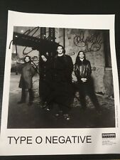 RARE TYPE O NEGATIVE HAND SIGNED B&W 8x10 BAND PROMO PHOTO AUTHENTIC 1999 STEELE