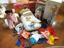 VINTAGE SINDY DOLLS WITH BEDROOM FURNITURE AND CLOTHES