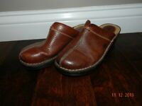 Women's Born Clogs, Size 8/39 Brown Leather Mules Slip-On wedges