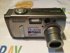 SAMSUNG DIGIMAX 420 DIGITAL CAMERA - SILVER