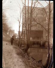 CHARENTON (94) PECHEUR à la ligne au MOULIN DE LA CHAUSSEE Photo amateur en 1925