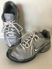 NIKE AIR MAX  Athletic sneakers  Boy's/Youth  Size 5.5