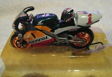 Two Wheels/Vitesse 1:24th Honda NSR 500 Repsol Mick Doohan World Champion 1999