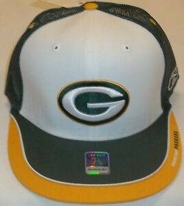 Green Bay Packers Flat Bill Mesh Back Fitted Reebok Hat - Size 7 - New
