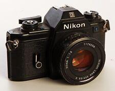 Nikon EM Body Gehäuse mit 50mm 1:1,8 Nikon Objektiv