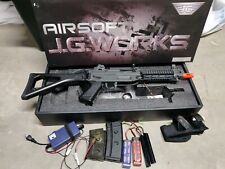JG Works SG 552 Commando AEG Metal Airsoft Rifle082-11 W/ Batteries & Charger