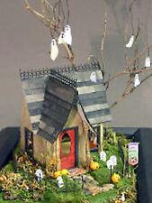 MUMMYS WATCHING Halloween Fun Doll House Diorama Plastic Kit GL3440