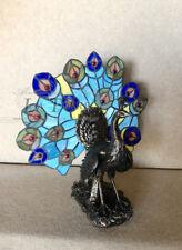 Lampada da tavolo abat-jour stil Tiffany h38 metallo vetro colorato pavone L30