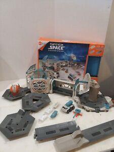 Hexbug Nano Space Discovery Station 95% complete Construction Kit 2 Space Nanos