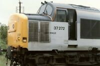 PHOTO  CLASS 37 LOCO NO 37272 AT MARCH DEPOT 1989