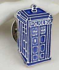 DR Who Police Box Tono Argento Spilla NO Gemelli pin Tardis Doctor Blu 2D