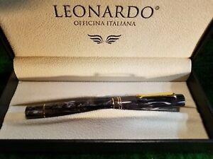 Leonardo Momento Zero Fountain Pen, F Nib, Horn Gray w/Gold Trim, Converter