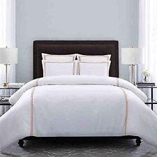Bed Bath & Beyond Wamsutta Hotel Triple Baratta Stitch Full/Queen Duvet Set in W