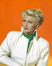 "RITA HAYWORTH IN ""THE LADY FROM SHANGHAI"" - 8X10 PUBLICITY PHOTO (NN-018)"
