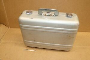 halliburton zero aluminum case 18x13x6 with combination lock