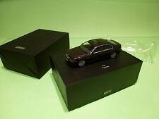 MINICHAMPS BMW 7 SERIES E65 - LILAC/PURPLE METALLIC 1:43 - NEAR MINT IN BOX
