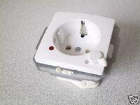 KOPP Steckdose mit Aus-Schalter PARIS HK05 OBJEKT 2005 arktis-weiss UP Unterputz