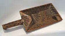 curieux objet en bois sculpté d'art populaire