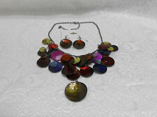 MULTI-COLOR SHELL-LIKE NECKLACE & EARRING SET