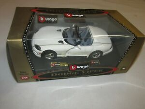 Burago 1992 Dodge Viper RT/10 * White * 1/24 Scale * FREE SHIPPING!!
