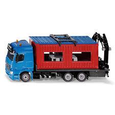 SIKU Spielzeug Baustelle LKW mit Baucontainer + Kran mit Spezialgreifer / 3556
