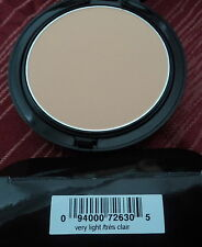 Avon Mark Matte-Nificent Oil Absorbing Powder Very Light New In Box 726305